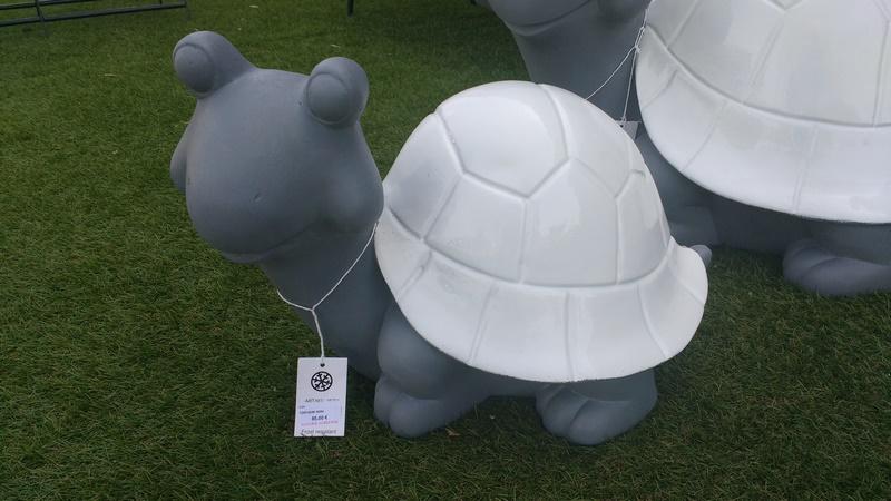 Objet deco exterieur tortue avec carapace blanche la for Objet de decoration exterieur