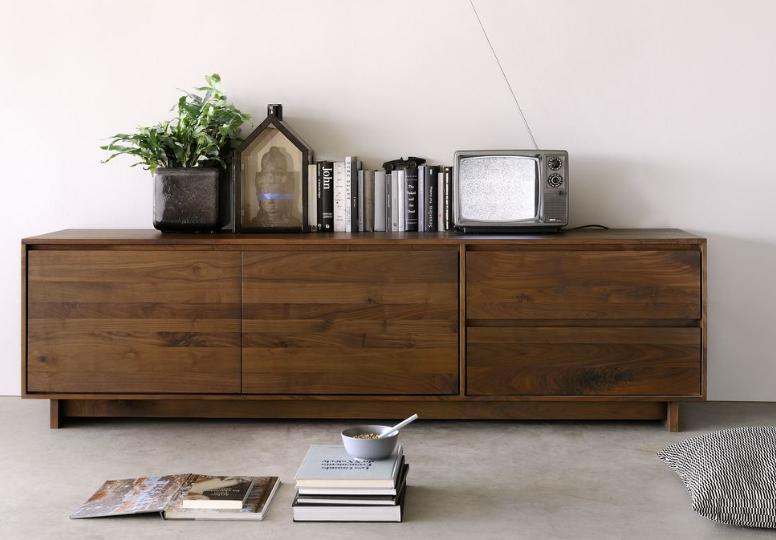 meuble tv finition noyer wave ethnicraft la galerie alr enne. Black Bedroom Furniture Sets. Home Design Ideas